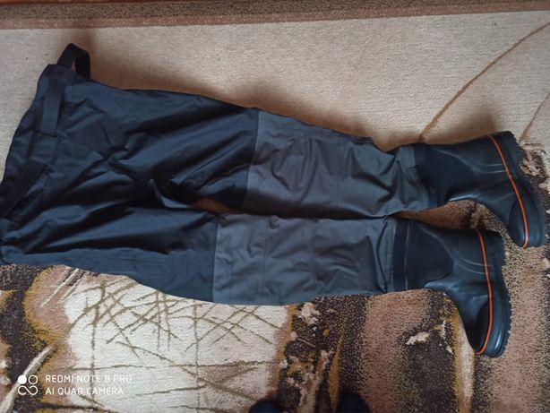 Spodniobuty do pasa Savage Gear z butami rozm.42/43