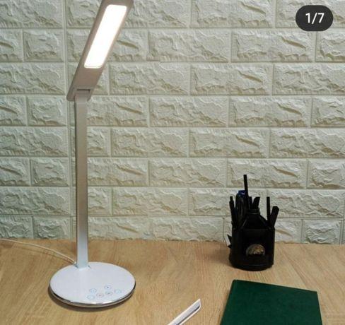 Настольная ЛЕД (LED) лампа с беспроводной зарядкой