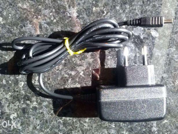 Carregador mini-USB para leitores de mp3's, telemóveis ou outros
