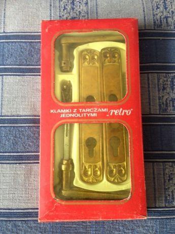 klamki z tarczami jednolitymi retro Nowe mosiądz