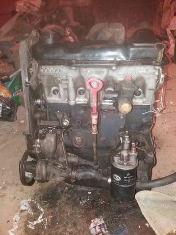 Двигатель 1.8 ABS фольксваген пассат ауди 100