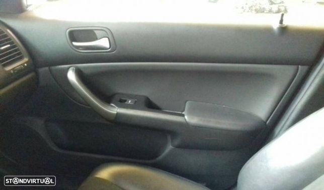 Quartela / Forra Porta Frente Direito Honda Accord Vii Tourer (Cm, Cn)