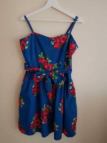 Letnia sukienka z kwiatowym wzorem roz. L