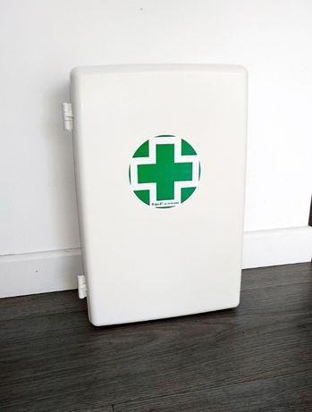 Armário de farmácia/primeiros socorros