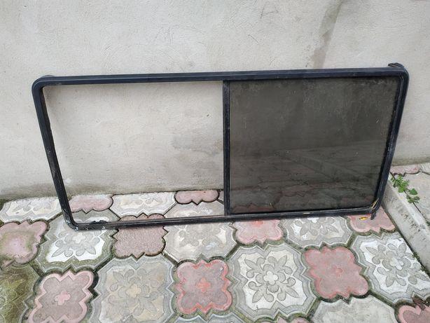 Бокове вікно