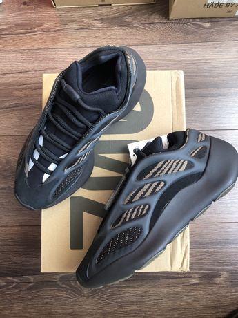 US 7.5 Adidas Yeezy 700v3 Clay Brown
