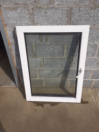 Sprzedam okno 4komorowe. 80 ×107 cm.