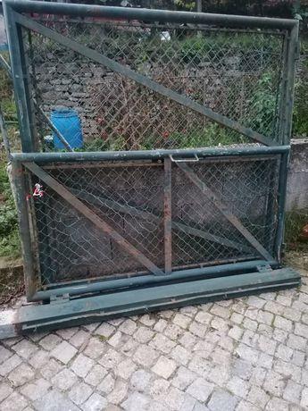Vendo portão/ pilares /rede