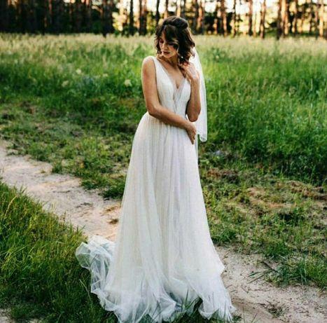 Продаж весільної сукні