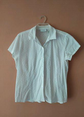 Biała lekko prześwitująca koszula