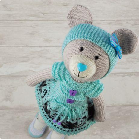 Miś maskotka zrobiona na drutach - zamiast lalki