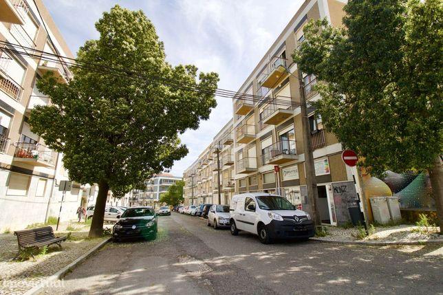 Apartamento T3 (4 assoalhadas) Qta do Serrado a 500m da FCT