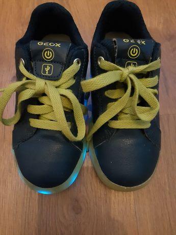 Tênis Geox de pele, menino e menina, iluminação sola por USB, n 29