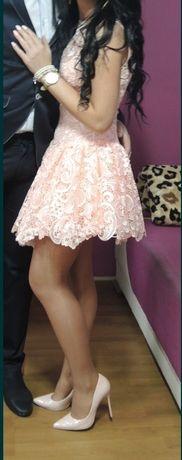 Sukienka pudrowy róż firmy Lou rozmiar Xs