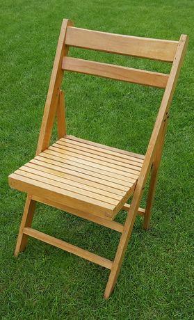 Drewniane krzesła - zabytek