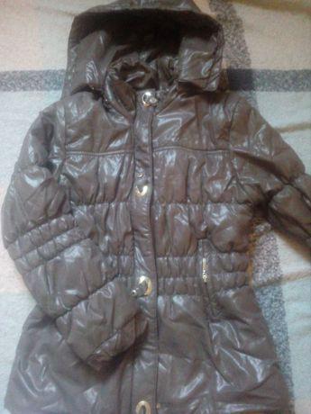 Куртка,размер S,шоколадного цвета,в хорошем состоянии.