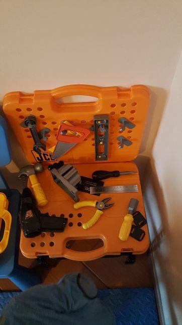 Rozkładany WARSZTAT - ZESTAW NARZĘDZI 2w1 - walizka+stolik