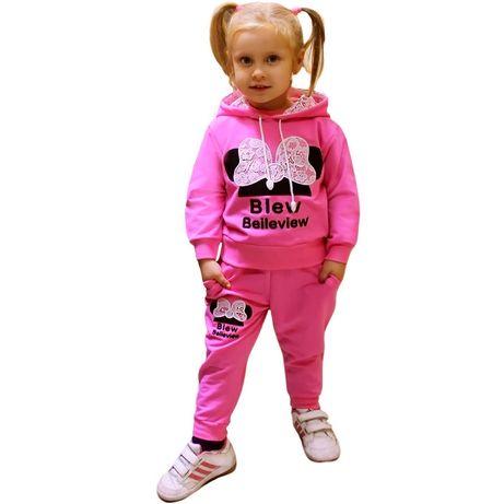 Спортивный костюм на девочку 400 рублей