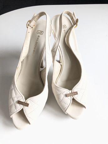 Śliczne beżowe skórzane buty, oryginalne Baldowski r 38