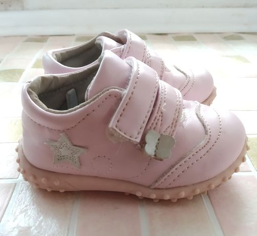 Демисезонні кросівочки на дівчинку
