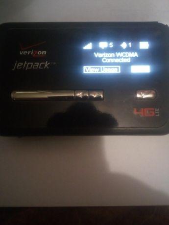 Wi-fi роутер с антенной и кабелем