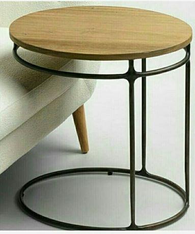 Кофейеый столик. прикроватный столик.столик