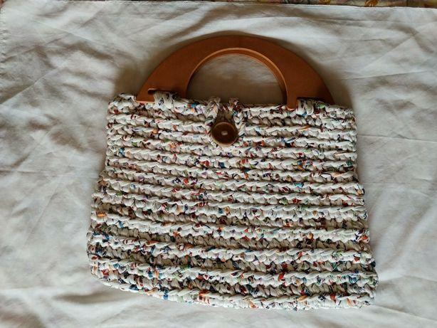 4 Malas feitas manualmente em tricot