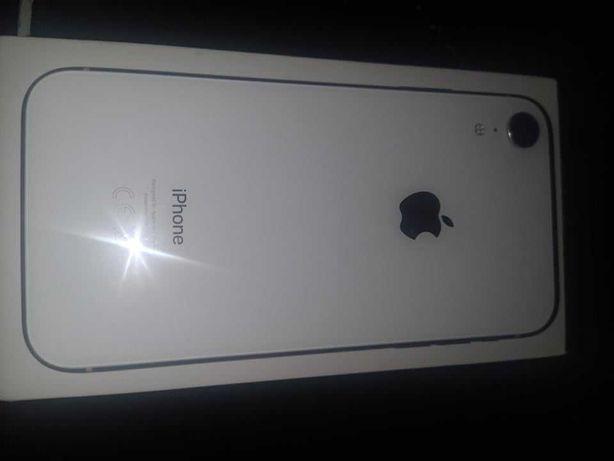 Uszkodzony iphone xr