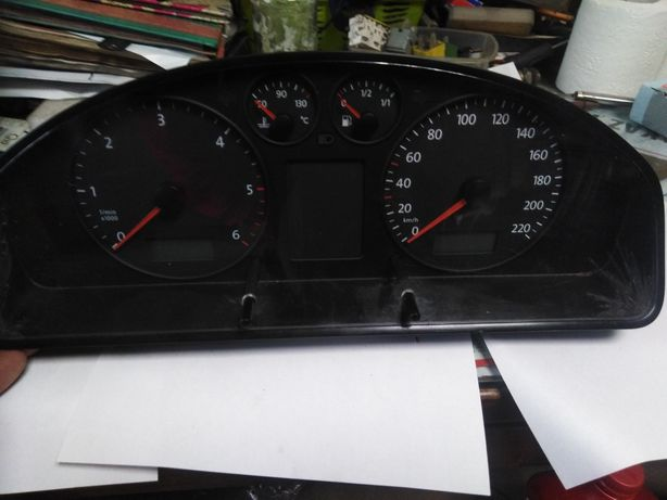 Licznik zegar 7HO920850G VW t5