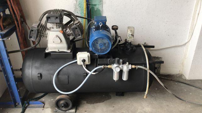 Kompresor Sprężarka  Pompa Walter 530l/min 3 KW 400V Zbiornik180L 8BAR