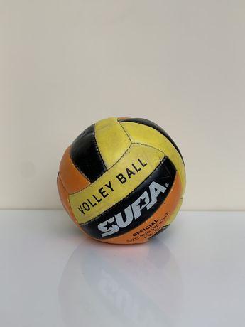 Волейбольный мяч (волейбольний м'яч)
