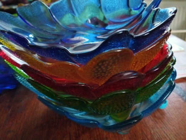 Paterki talerzyki liście ,kolorowe szklo