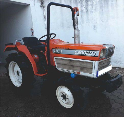 Trator Kubota 4x4 com matricula