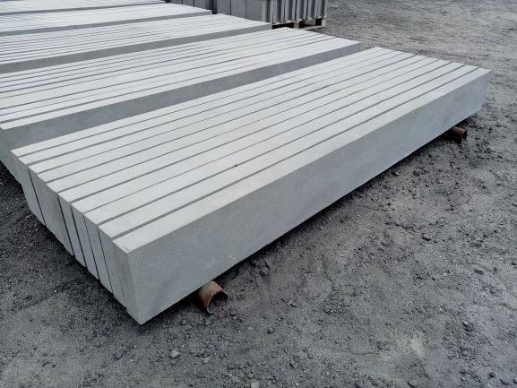Podmurówki gładkie proste murki płyty ogrodzeniowe betonowe pod panel
