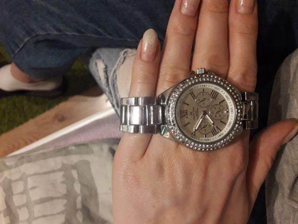 Sprzedam posrebrzany zegarek
