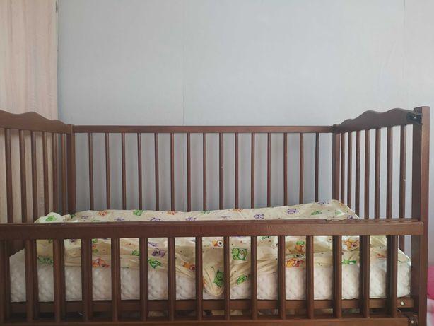 """Детская кроватка фирмы """"Верес"""" с матрасом (наполнение кокос /гречка)"""