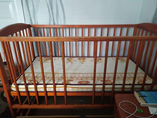 Дитяче ліжечко-люлька