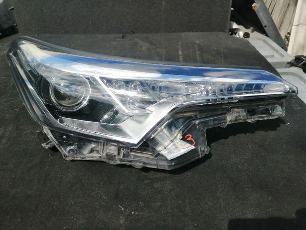 Lampa prawa przód Toyota CHR C-HR 81150-F4031-00