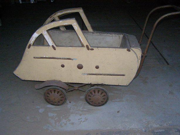 Stary wózek dziecięcy