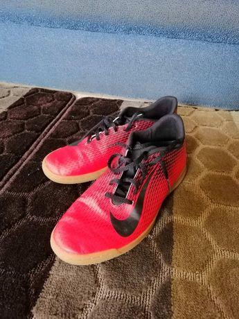 Футзалки Nike 27,5см