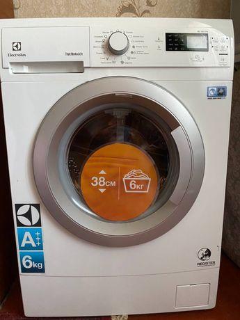 Новая стиральная машина Electrolux 6 кг
