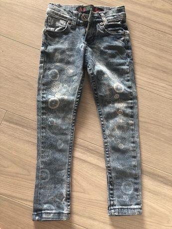 Продам красивые и модные джинсы на девочку 3-4 года