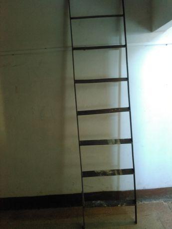 Стальная лестница б/у