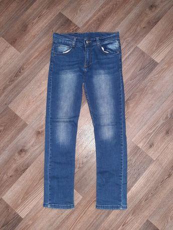 Джинсы брюки на мальчика парня 10-11 лет