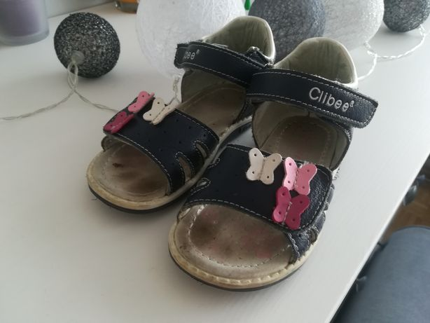 Sandałki r24