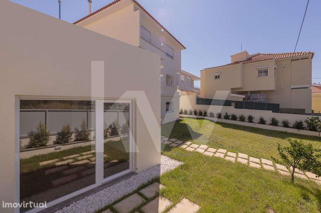 Apartamento T2 com espaço exterior privativo de 200m2