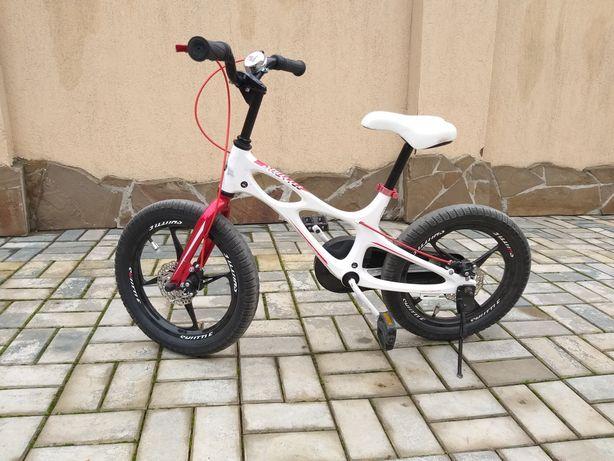 Велосипед детский с доп.колёсами от 3ех лет  Цена 10 000 рублей
