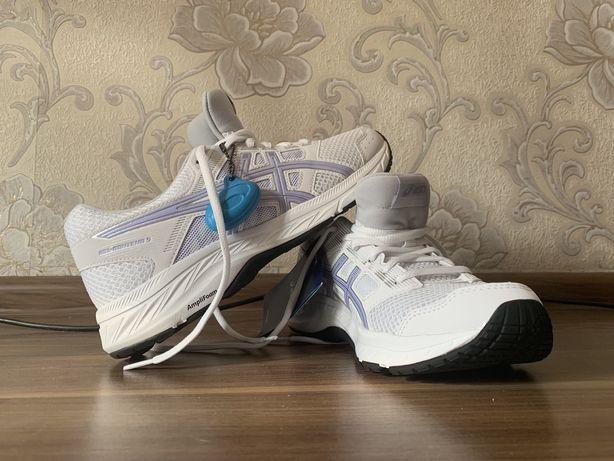 Нові жіночі кросівки asics для бігу