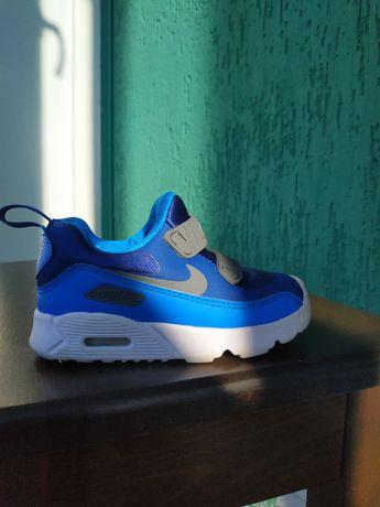 Оригинальные кроссовки nike airMax (22 размер)