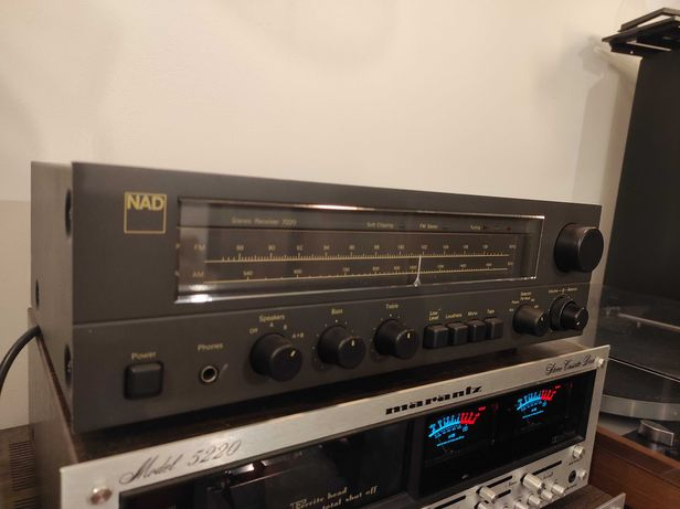 Amplituner NAD 7020 - Jak NAD 3020 z Tunerem